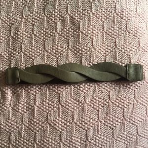 Accessories - NWOT Twisted Taupe Belt
